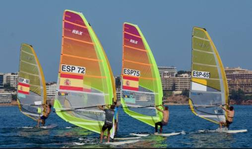 REGATA HALLOWEEN DE WINDSURF