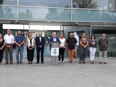El poble de Salou se suma a la condemna dels atemptats terroristes de Cambrils i Barcelona quan se celebra el primer aniversari