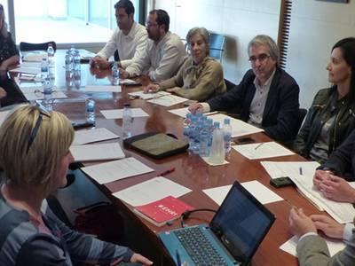 L'alcalde rep a la Asociación Empresarial Zona Turística Salou per tractar temes d'interès de la zona.