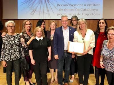 El Grup de Dones de Salou rep un reconeixement públic de la Generalitat pels 25 anys de trajectòria