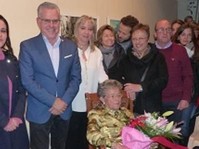 Homenatge a Rosa Mariné i Ferré, la dona més gran de Salou