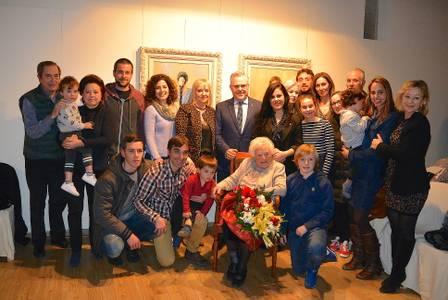 Salou homenatja per Santa Àgueda a Maria Teresa Capdevila Gaya, la dona més gran