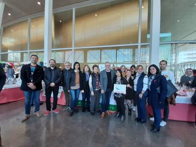 Salou se solidaritza amb la lluita contra el càncer, assistint a la 18a Fira de Nadal Benèfica de Freesia Group