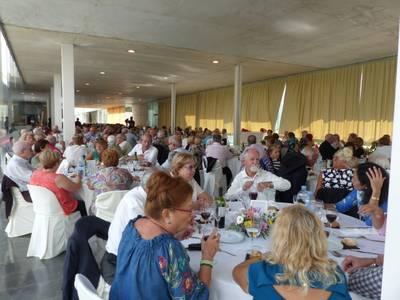 Unes 250 persones celebren plegades al TAS el Dia Internacional de la Gent Gran de Salou