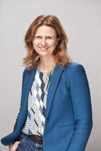 L'educadora, sociòloga i mediadora Alba Castellví parlarà del seu llibre 'Un cistell de cireres: set contes petits per a fer-nos grans', el proper dissabte, a la Biblioteca de Salou