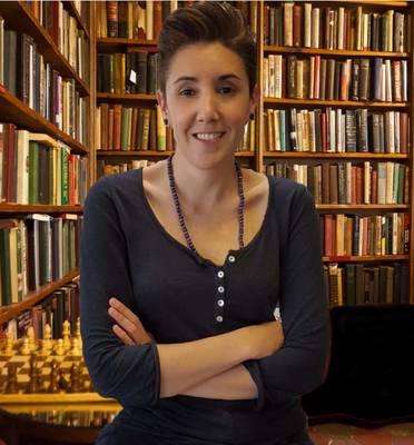 L'escriptora Matilde Mendieta Goicoechea presenta el seu segon llibre '18 selfies con las enfermedades' aquest divendres, a la Biblioteca de Salou