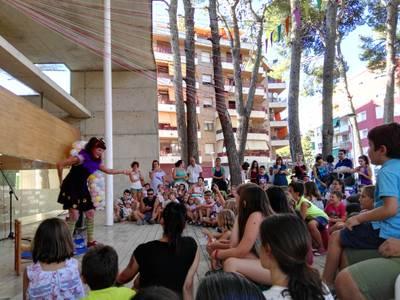 La Biblioteca Pública de Salou celebra el seu 25è aniversari inspirat en el món del circ