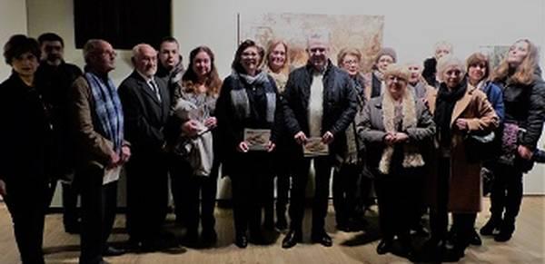 Una vintena d'artistes locals mostren les seves obres a la Torre Vella en la tradicional exposició de la Festa Major