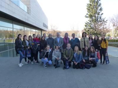 L'alcalde Pere Granados rep la visita dels alumnes de l'escola anglesa St. Bartholomew's d'intercanvi amb l'Escola Elisabeth