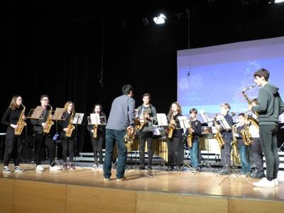L'Escola Municipal de Música de Salou celebra els seus 30 anys d'història amb concerts al carrer