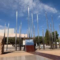 Monument a la Segregació - Plaça de la Segregació