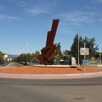 Monument Violoncel d'Ernesto Knörr - Avinguda de Pau Casals