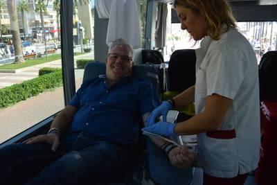 ALCALDE DONACIÓ SANG.JPG