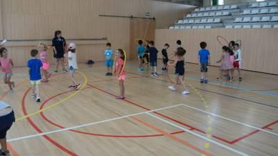 Sessió de jocs al Pavelló Salou Centre.JPG