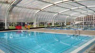 L'Ajuntament durà a terme unes millores en manteniment a la coberta de la piscina municipal