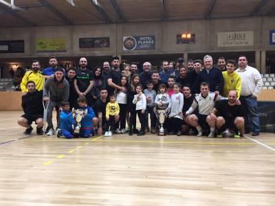 L'equip Bueno 10 guanya la final de les 24 hores de futbol sala de Festa Major