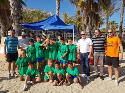 """Més de 150 joves de Salou disputen la XXIV edició de """"Juguem a la Platja"""""""