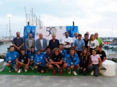 Salou reconeix l'esforç de cinc joves salouencs al Campionat del Món i la Nations Cup de Raceboard