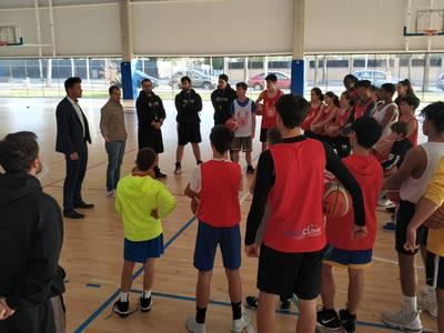 Un total de 26 joves esportistes gaudeixen del Nadal a Salou amb el campus de bàsquet 'Elevate Your Game'