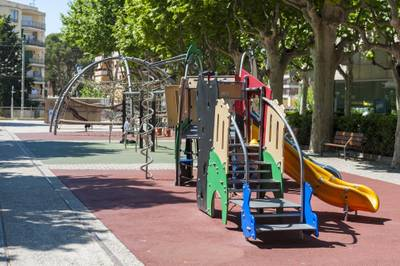 espai infantil estacio carrilet ext05.jpg