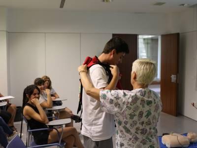 Els monitors del Casal Xic's reben formació de primers auxilis