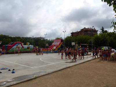 Més de 300 nens i nenes acomiaden l'estiu amb una gran Festa de l'Aigua