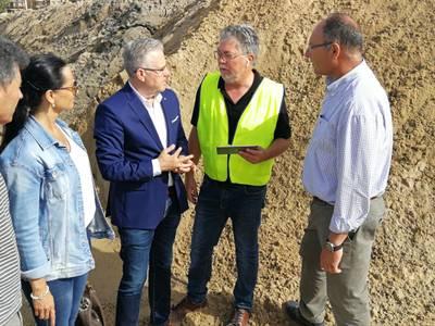 Comencen els treballs de reposició d'arena a la platja Llarga i Llenguadets