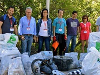La capital de la Costa Daurada se suma al European Clean Up Day amb una acció al Cap Salou