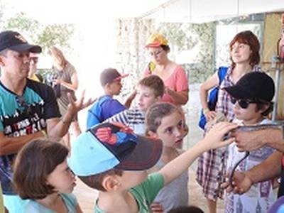 Més d'un centenar de persones participen en l'acte central de Setmana de la Natura a Salou amb un Bioblitz a Cala Crancs