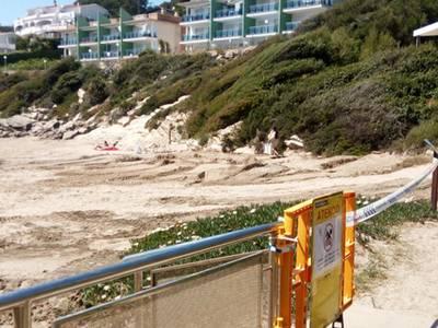 Salou tanca al bany la platja de Cala Crancs pel trencament de l'emissari submarí