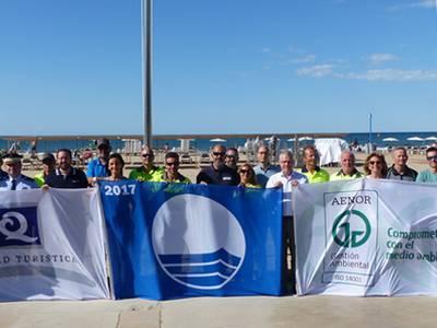Un any més Salou hissa les Banderes Blaves, les Q de qualitat i les ISO 14,001 a les platges del municipi