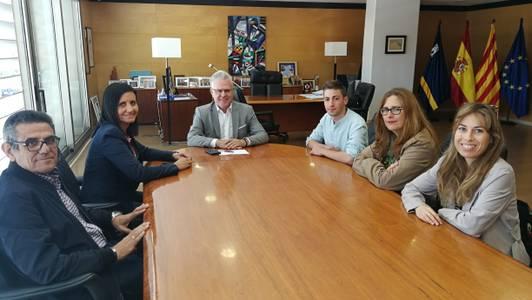 L'alcalde rep als quatre guanyadors de les propostes dels pressupostos participatius