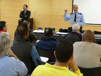 21 aspirants s'examinen a Salou per obtenir la credencial de conductor de taxi
