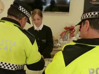 Aprofitant l'inici de la Campanya de Nadal la Policia Local de Salou reforça la vigilància a les zones comercials