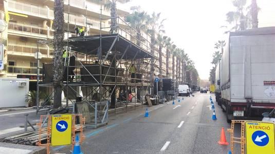 Els carrers de Salou ja estan a punt per celebrar la gran festa del Cós Blanc