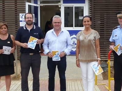 Es presenta a Salou el conte 'Confetina va a la platja' editat per la Policia Local