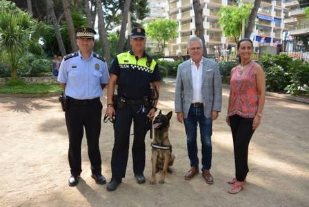 Salou presenta la seva unitat canina per vetllar per la seguretat ciutadana