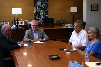 L'Ajuntament de Salou signa un conveni amb la SECOT per fomentar el suport en assessorament empresarial al municipi