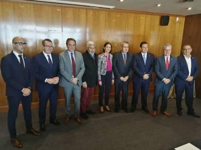 Els alcaldes de la AMT es reuneixen amb la Ministra d'Indústria, Comerç i Turisme, Reyes Maroto, per plantejar-li els seus objectius, prioritats i reivindicacions