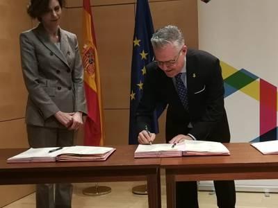 L'alcalde Granados signa el protocol per donar impuls a la Red DTI