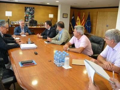 L'alcalde Pere Granados es reuneix amb directius d'Adif i INECO per parlar sobre el Corredor del Mediterrani i per a la presentació de l'estació provisional Salou-PortAventura