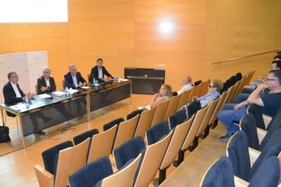 L'Ajuntament de Salou explica la solució tècnica al veïnat de Carles Buïgas perquè les aigües pluvials desguassin amb garantia