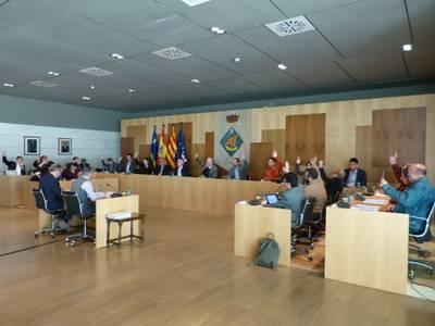 L'Ajuntament de Salou reclama, unànimement, a Renfe impulsar la millora dels serveis ferroviaris al municipi, i a Adif que acceleri l'execució de les infraestructures pendents