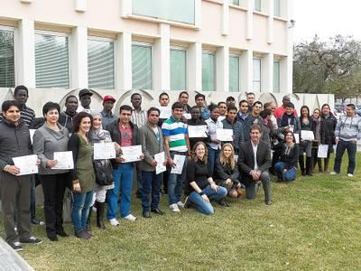 Foto_en_grup_dels_alumnes_del_curs_de_formaci.JPG