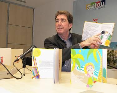 Acció Social presenta un llibre de contes per fomentar valors i l'autoestima dels més petits a través de la lectura, dins la unitat familiar