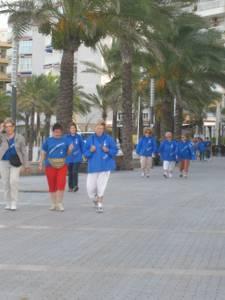El grup 'Anem a Caminar' de Salou ha organitzat una sortida pel Passeig Jaume I i el Camí de Ronda