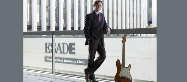 """El professor d'ESADE Salva López explicarà en una conferència com fer la """"Rockvolució Empresarial: lliçons del món de la música per a directius i emprenedors"""""""