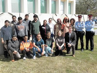 El Servei d'Acollida al Nouvingut/da de l'àrea d'Acció Social lliura els diplomes del segon trimestre del curs de formació a l'alumnat