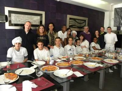 Els alumnes de la UEC s'apropen a la restauració a través d'un curs de cuina al restaurant Portofino de Salou