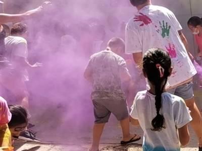 Els nens i nenes de Salou acomiaden el Casal d'Estiu Xic'S amb una divertida Festa Holly